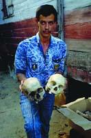Des crânes déterrés pendant les fouilles du trésor de La Buse